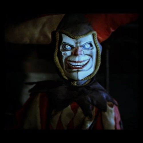 #sweetdreams #behindyou #scary #terror #clown #thehole #movie