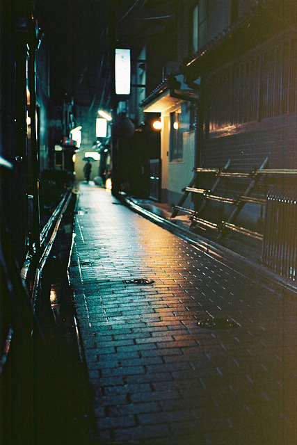 ileftmyheartintokyo:  Silence by a l e x . k on Flickr.