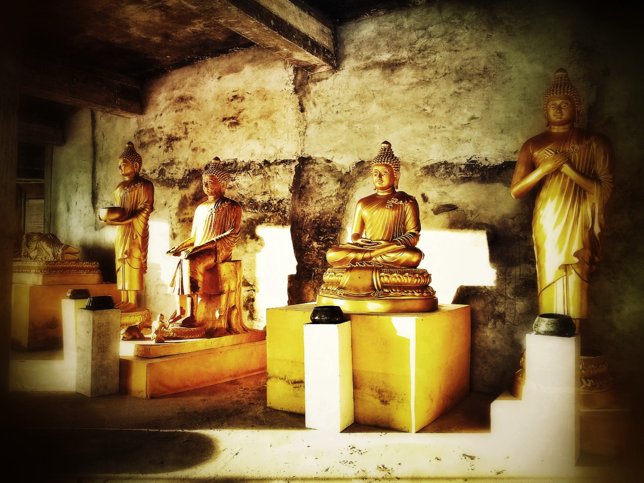 Buddha statues at Big Buddha Temple, Phuket  #snapseed #travel #buddha #phuket