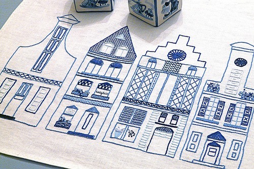 Dutch Canal Houses Embroidery | Gingerbread Snowflakes Last week was pretty much blog-free because I was on a deadline to finish my dad's birthday present - a beautiful blue and white cross stitch of The Willow Pattern. He loved it, and I was so pleased with the result. Now I'm a little bit in love with blue and white cross stitches - there is something simplistic but sweet about them. So i was immediately drawn to this lovely Dutch canal house pattern and it's shades of blue. Of course, you can do yours in any colours you wish - let your imagination run free and make it your own!