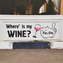 Meow! Where is my wine? #cat #wine #cafe (at Fat Cat)