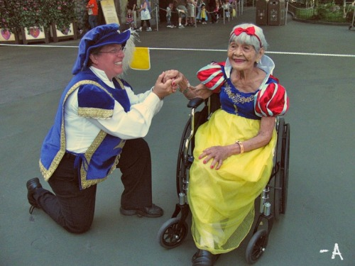 disneylandguru:  a cute grandma dressed at a Princess