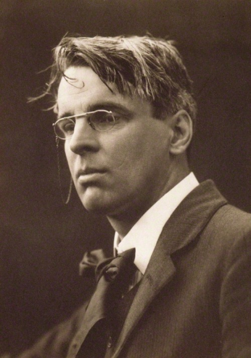 entregulistanybostan:  William Butler Yeats en 1911 por George Charles Beresford Read Ignoria:  William Butler Yeats: Teólogos felices e infelices
