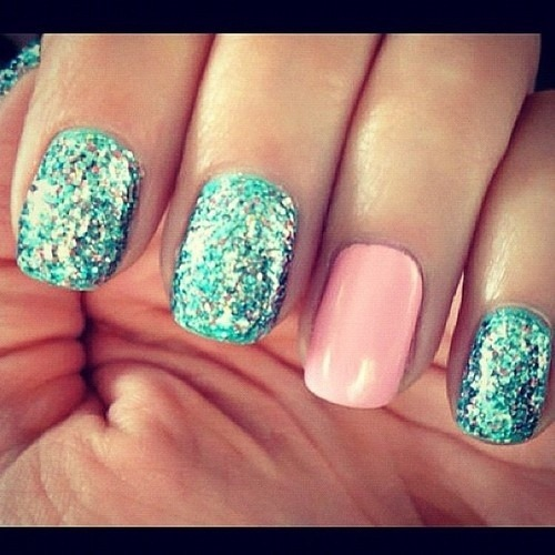 anastasiaania:  nails | Tumblr on We Heart It - http://weheartit.com/entry/56939313/via/Anastasiaania