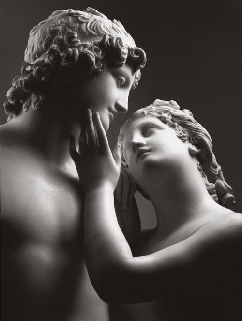 statuemania:  Venus and Adonis  by Antonio Canova, ca.1794.