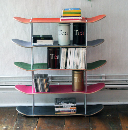 bookporn:  Recycled skateboards shelf by SkateMood