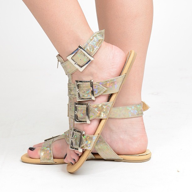 KARLIE SANDALS will be out tomorrow! Available in Gold Hologram, Silver Hologram and Black! P975.00 FREE Shipping nationwide! 😊 Text us at 09175070585 to order, no viber for tonight! 💋