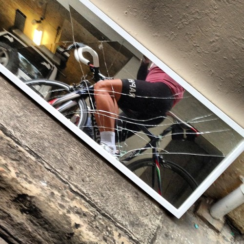 Cracks in the reflection ..  #firstworldpelotonproblems #2wheeltherapy #hurtlocker