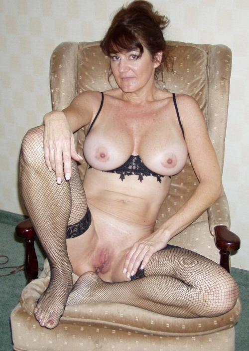 Mature nude wife in lingerie