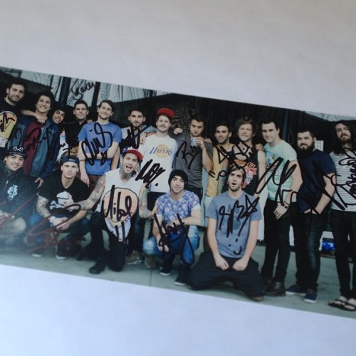 elmakias:  Not quite sure what to do with this signed #springfevertour print … Don't even have it available for purchase …