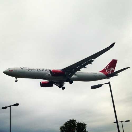 Virgin Atlantic landing at heathrow