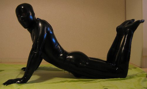 pupzeus:  rubberized   How do you get into that thing…and out of that thing