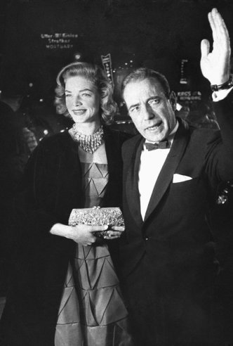 Humphrey Bogart and Lauren Bacall at the 27th annual Academy Awards in 1955.(Via Life Magazine)