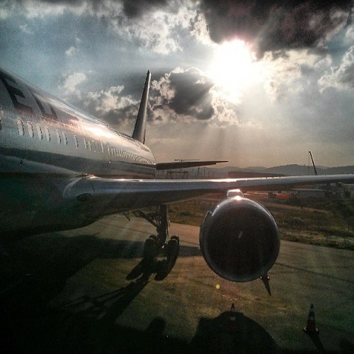 Love the sun #Avgeek #Aviation #767