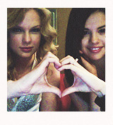 taylor swift + personal pictures  I'M FEELIN' 22!!!