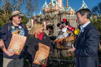 My heros! laughingsquid:  Couple Visited Disneyland Every Single Day in 2012