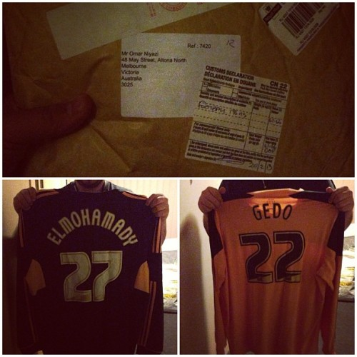 Straight from the KC Stadium! My Hull City tops with Gedo and ElMohamady print. YEAHHHHHHHH! #hcafc #hullcity #gedo #elmohamady #egypt #masr (at Omars Egyptian Pyramid)