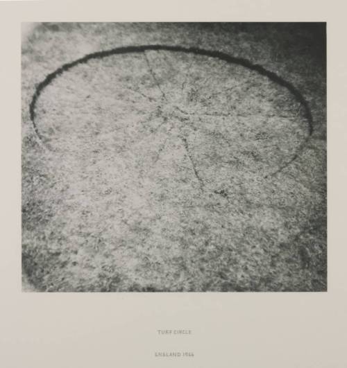mpdrolet:   Tuff Circle, 1966 Richard Long