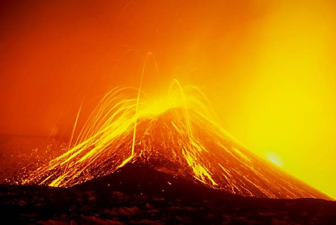 naturalattractions:  Natural attractions in Italy Mount Etna