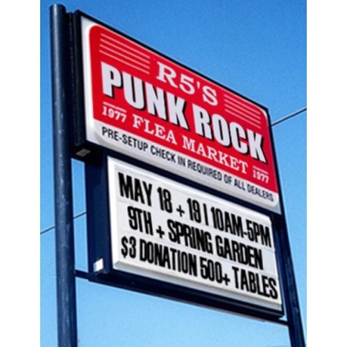 hello IG friends- come see me at the philly punk rock flea market this Saturday. I'll be selling prints and unveiling some new work of mine. I look forward to seeing you there! #igers_philly #decim8 #decay #abstract #appstract