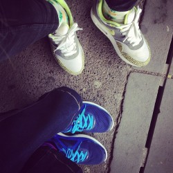 Me and moms feets today #pineapple #tropical #nike #airmax1 #am1 #safari #lunarglide #crepcheck #sfbk #smallfeetbigkicks