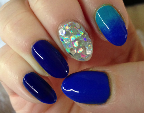 lupulin:  March - Battle of the blues! Pinky, ring, thumb: Revlon Royal, RBL IKB:2012, Essie Butler Please! Index is Zoya Robyn and Butler Please!