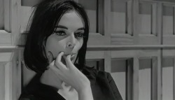 archigramkiosk-barbara-steele-in-8-1-2-by