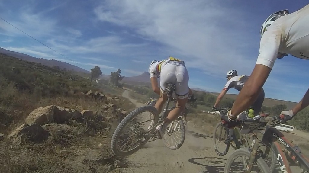 bikemech:  29andmine:  Nino's tailwhip, AbsaCapeEpic2013  a whip contest at a xc enduro event?! DUDE!