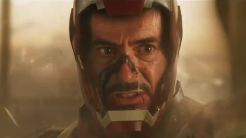 'Iron Man 3' will explain why Tony Stark Doesn't just call The Avengers for help