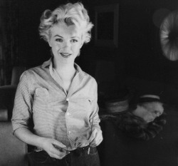 suicideblonde:  Marilyn Monroe photographed by Milton Greene in 1956