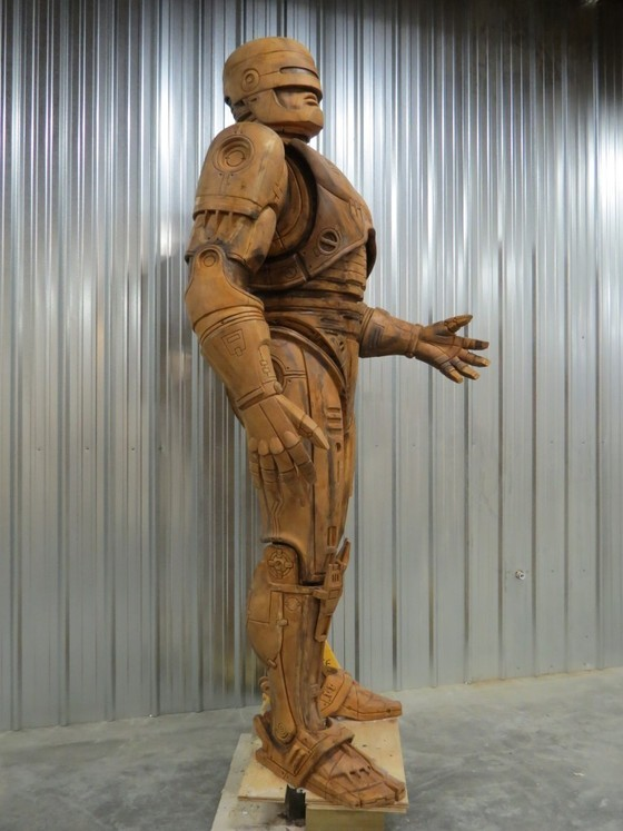 "herochan:  Update: Detroit Needs A Statue of Robocop Almost 2 years ago, Imagination Station Detroit set out to raise $50,000 dollars to create a monument to the fictional hero of Detroit, Robocop. They eclipsed their goal and immediately began rebuilding Officer Alex J. Murphy again.   ""He's not done yet, but what you're seeing in these pictures is pretty much exactly how he'll look.""  They recently posted an update along with the above images letting everyone know the status of this 10 foot tall monument."