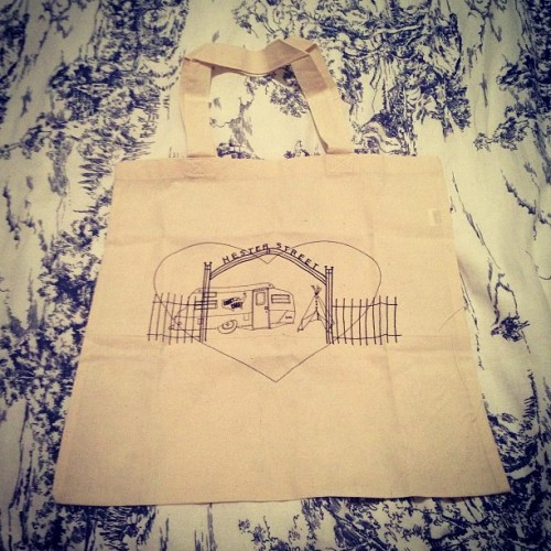 I ❤ my new tote! Thanks @ohhaiitsmee @_coasttocoastvintage_ @buycoasttocoastvintage