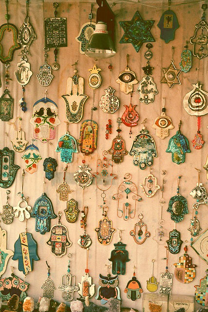 givemeaburger:  Hamsa Gallery of Jewels