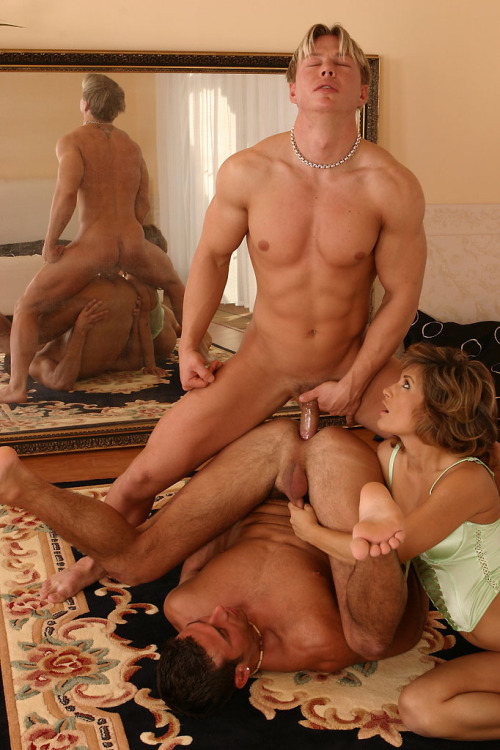 a-luscious-life:  Unff, the first moments of entry into an ass…magic.