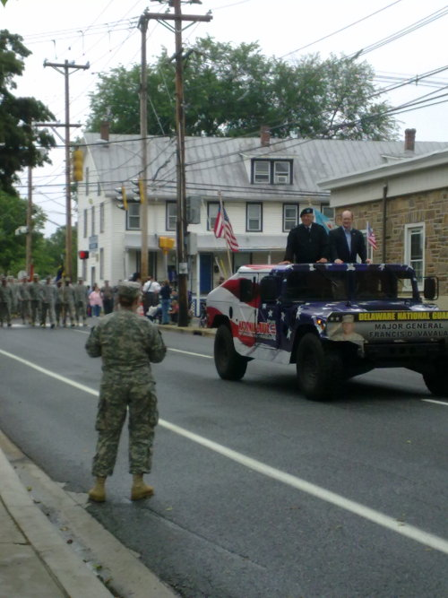 "So there was this (something something military, apparently) parade in town today. We had (and still have, actually) no idea what it was about, but there was bagpipey sounding music and people were putting up camping chairs at street corners and standing along the side of the streets. so we, too, stopped for a while and glanced at the by passing people and vehicles. Everybody was waving and saying ""Hi, How are you"" from the cars and tanks and so on. We smiled and nodded and kept wondering..Then there was this one guy, he was walking alone between two loads of soldiers and doing the comedy part (or so it seemed). He waved at us, friendly, and said ""Hi. Nice socks."" and then, he looked again and added ""Best socks at the parade!"" I just had had coffee and therefore was very excited already and then even more for the good compliment all day :DBut see for yourselves, the Best Socks at the Parade! :D (In terms of beautiful clothing, I guess he was probably right.;>)"