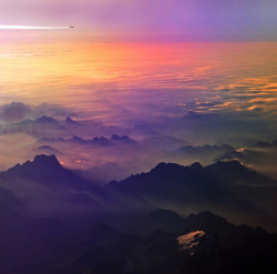 refluent:  Flying to somewhere (by Antonio Zarli)