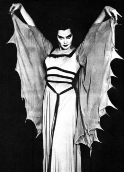 Lily Munster - Vampire / Housewife. (1964)