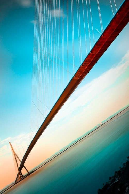 evocativesynthesis:  The Span by Christophe Kiciak
