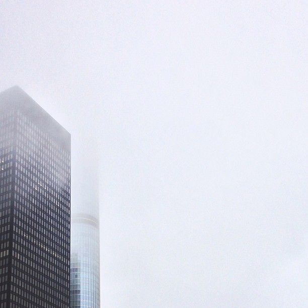 Hide and seek with the Trump. #fog #picfx #igerschicago #minimalist #chicago #chitecture #fartoodope (at Trump International Hotel & Tower Chicago)