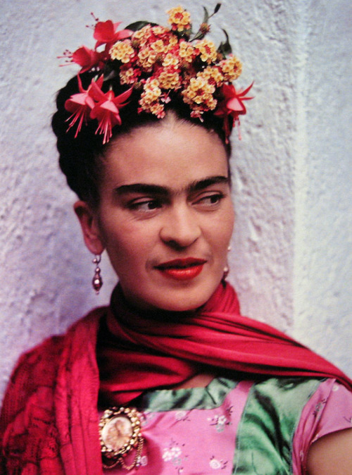 nevver:  Thank God it's Frida  FRIDA FRIDA FRIDA