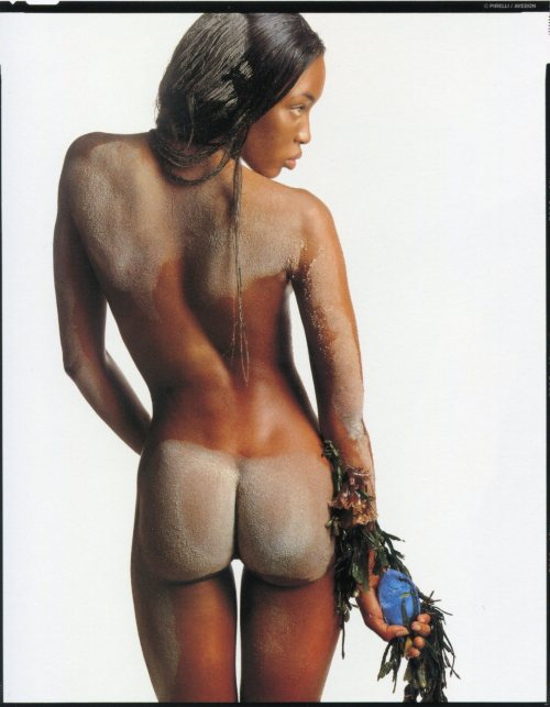 supermodelshrine:  Naomi by Richard Avedon, 1995