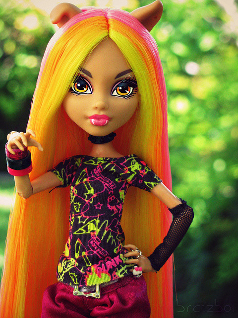 Spring Punk by BratzBoi™ on Flickr.Fantastic [Monster High Howleen] reroot!