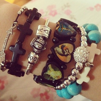 I love #armcandy 😍 #arrow #crosses #adpi #pandora #saintsbracelet