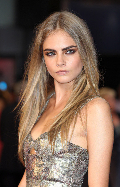 caradelevingneunedited:  yyzhr:  uuh that eyebrows   CARA BLOG