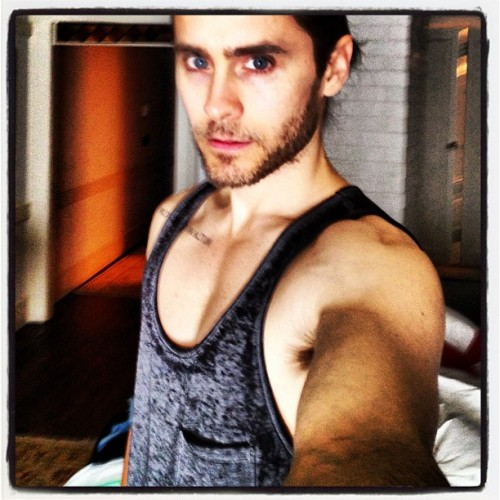 jaredleto:  Practicing the art of the #selfie #lovelustfaithdreams