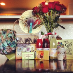 All my Mothers Day gifts! I am so blessed and truly grateful for Jax, if not for you I would not be a Mom. My proudest accomplishment. Thank you husband, mom, and Aunt Jenny for all my lovely gifts, I will cherish them. @jfc919 @sunshinepoulsen