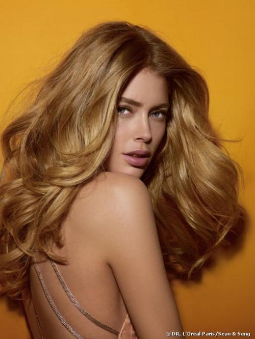 dutchmodels:  L'Oréal Paris ambassador Doutzen Kroes sported a natural make-up look for her first appearance at the 66th Cannes Film Festival on 17 May 2013, courtesy of expert make-up artist Karim Rahman.