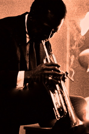 american-citizen:  The legendary Miles Davis in Caroline's, Milwaukee
