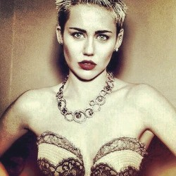 mileyandthings:  ♡ Miley Cyrus Blog ♡