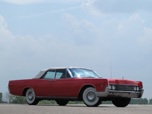 werstd16:  1966 Lincoln Continental Convertible  The whitewalls are too wide, but the 66/67 is actually my favorite of all Kennedy-Lincolns.